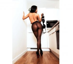 Nadjet desi escorts Fernley