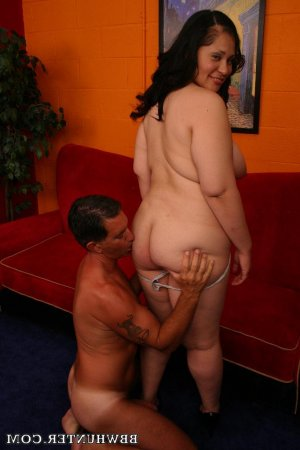 Avelyne pegging hookup Darlington
