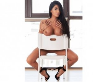 Marnie massage escorts in Forest Hills, MI